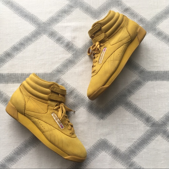 190366c3 REEBOK Classics Yellow Suede High Top Sneakers VTG